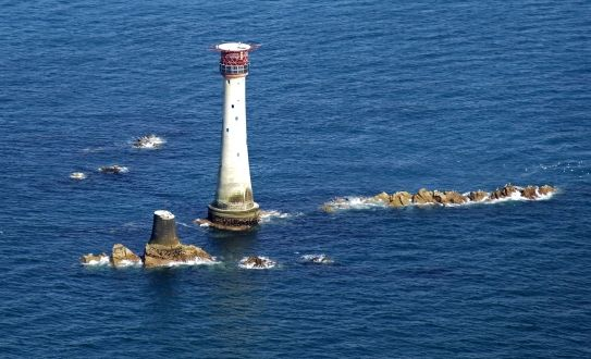 Eddystonelighthouse_air1